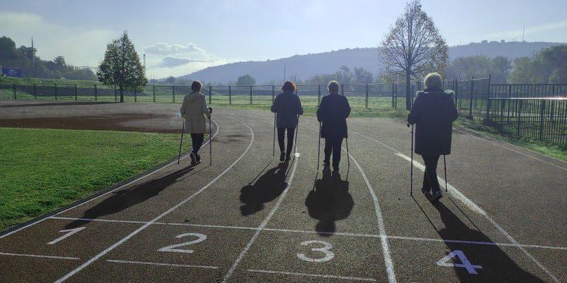 """Održana 9. radionica nordijskog hodanja u sklopu programa očuvanja i prevencije bolesti projekta """"Aktivni zajedno"""" UP.04.2.1.09.0005 (20.11.2020.)"""