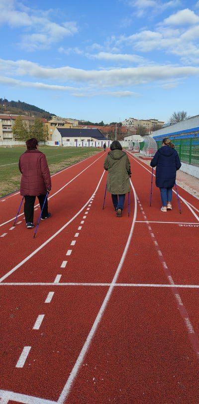 """Održana 10. radionica nordijskog hodanja u sklopu programa očuvanja i prevencije bolesti projekta """"Aktivni zajedno"""" UP.04.2.1.09.0005 (27.11.2020.)"""