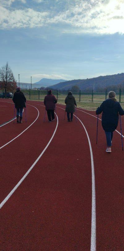 """Održana 14. radionica nordijskog hodanja u sklopu programa očuvanja i prevencije bolesti projekta """"Aktivni zajedno"""" UP.04.2.1.09.0005 (19.02.2021.)"""