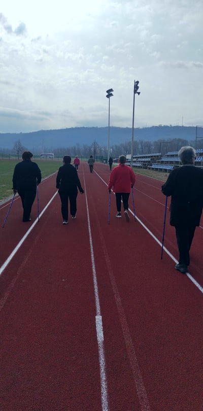"""Održana 20. radionica nordijskog hodanja u sklopu programa očuvanja i prevencije bolesti projekta """"Aktivni zajedno"""" UP.04.2.1.09.0005 (07.04.2021.)"""