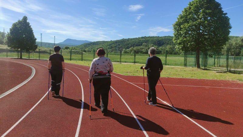 """Održana 26. radionica nordijskog hodanja u sklopu programa očuvanja i prevencije bolesti projekta """"Aktivni zajedno"""" UP.04.2.1.09.0005 (21.05.2021.)"""