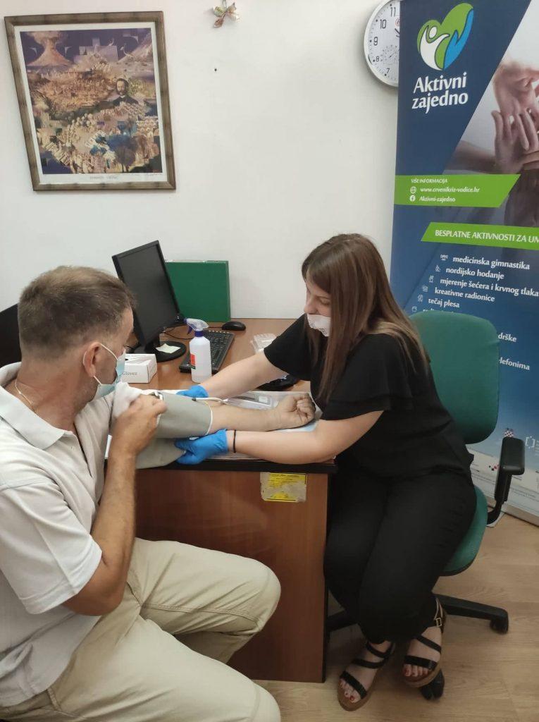"""Mjerenje šećera i krvnog tlaka u sklopu programa očuvanja i prevencije bolesti projekta """"Aktivni zajedno"""" UP.04.2.1.09.0005 (30.07.2021.)"""