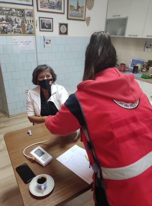 """Mjerenje šećera i krvnog tlaka u sklopu programa očuvanja i prevencije bolesti projekta """"Aktivni zajedno"""" UP.04.2.1.09.0005 (30.09.2021.)"""